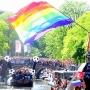 阿姆斯特丹举行同性恋大游行 水上狂欢基情四射
